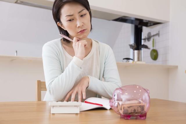 ヤミ金の利用を考えている女性